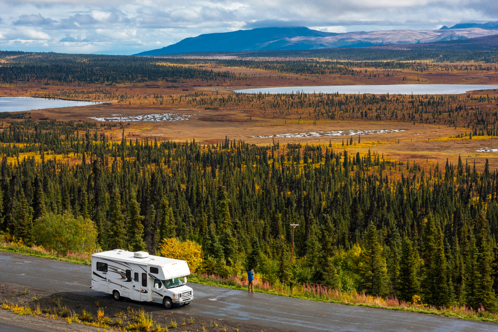 Top 8 Summer RV Vacation Spots for Retirees